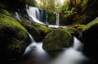 1280px-Horseshoe_Falls_2_Mt_Field_National_Park