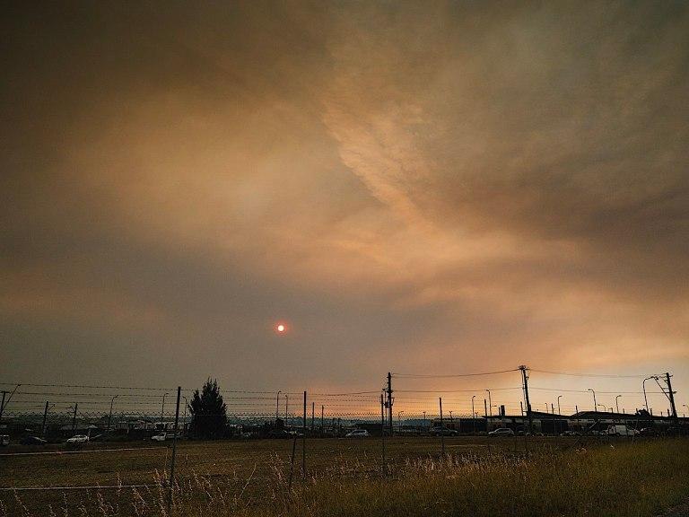 1280px-Bushfire_smoke_(49177347657)